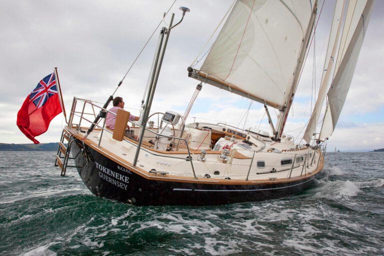 Rustler42 sailing, view of cockpit